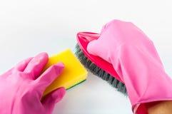 Rubber handskar med svampen Royaltyfri Foto