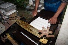 Rubber latexprocess för att producera det Rubber arket Fotografering för Bildbyråer