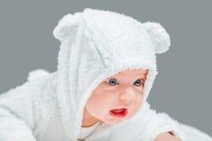 Rubbningen behandla som ett barn pojken Royaltyfria Foton