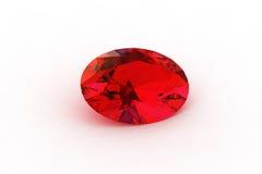 Rubi vermelho oval - a raia Photorealistic seguida rende Fotos de Stock Royalty Free
