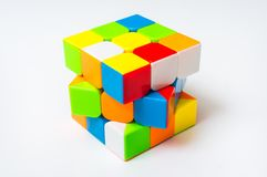 Rubik在白色背景隔绝的` s立方体 免版税图库摄影