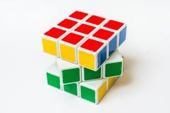 Rubik在白色背景隔绝的` s立方体 免版税库存照片