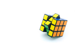 Rubik ` s立方体在白色背景被隔绝 免版税图库摄影