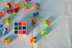 Rubik& x27; s kubus stock afbeelding