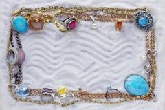 Rubiner, diamanter, guld och pärlor Arkivfoto