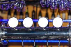 Rubinetto della birra al ristorante, alla barra o al pub Fotografia Stock Libera da Diritti