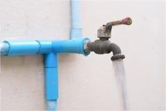 Rubinetto di acqua aperto Fotografie Stock Libere da Diritti