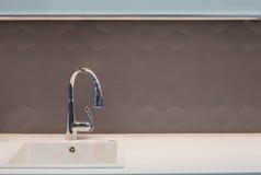 Rubinetto e lavandino della cucina Fotografie Stock