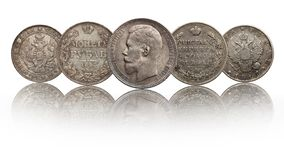 Rublo das moedas de prata do russo de Rússia isolado no fundo branco foto de stock royalty free