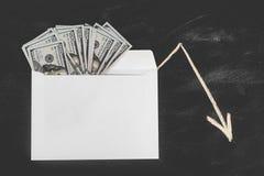 Rublos e dólares Dinheiro no envelope Taxa de câmbio Preços da elevação e da queda Conceito do dinheiro de lavagem Planeamento do foto de stock royalty free