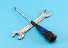 Śrubokrętu spanner Tommy wyrwania narzędzia krzyżują błękit Obrazy Stock