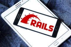 Ruby en logotipo del marco de la aplicación web de los carriles Imagen de archivo