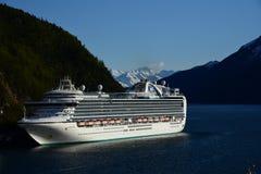 Ruby Princess i Skagway Alaska Arkivfoton