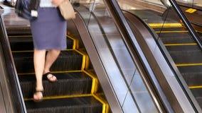 Ruch bierze eskalator klient zdjęcie wideo