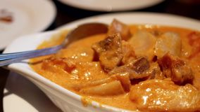 Ruch curry'ego kurczak na stole zbiory