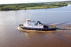 Ruch denni handlowi statki, holowniki i Beaumont, Teksas obrazy royalty free