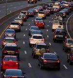 Ruch drogowy łapiący up w wieczór dojeżdżać do pracy Obraz Royalty Free