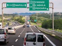 Ruch drogowy Autostrada, Włochy Zdjęcia Stock