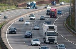 Ruch drogowy na Brytyjskiej autostradzie M25 Fotografia Stock