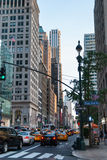 Ruch drogowy na Manhattan ulicach zdjęcie royalty free