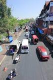 Ruch drogowy na Wichayanon drodze Blisko Kad Luang Zdjęcie Royalty Free