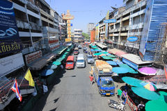 Ruch drogowy na Wichayanon drodze Blisko Kad Luang Zdjęcia Royalty Free