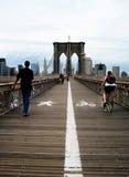 Ruch drogowy reguły na moscie brooklyńskim, Miasto Nowy Jork Zdjęcia Stock