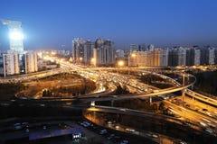 Ruch drogowy w Beijing przy noc obrazy royalty free