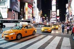 Ruch drogowy w czasu kwadracie, Nowy Jork Zdjęcia Royalty Free