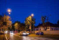 Ruch drogowy w noc Obrazy Royalty Free