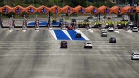 Ruch drogowy w opłacie drogowa Odgórny i tylni widok zdjęcie wideo