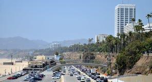 Ruch drogowy w Snata Monica plaży Fotografia Royalty Free