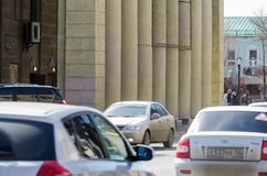 Ruch na ulicznym Pushkin blisko dramata teatru, Zdjęcie Stock
