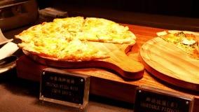Ruch owoce morza i warzywa pizza wśrodku restauraci zdjęcie wideo