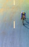 Ruch plama cyklista podczas rasy fotografia stock