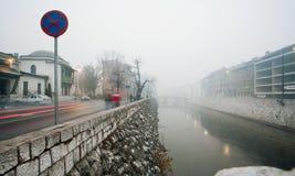 Ruch plama prędkość poruszający samochód w starego miasto Sa fotografia stock