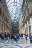 Ruchliwie centrum handlowego Galleria Umberto Ja, Naples, Itali obrazy royalty free