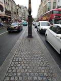 Ruchliwie drogowy Londy?ski pi?kny dzie? Zjednoczone Kr?lestwo, zdjęcie stock