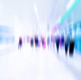 Ruchliwie tłum ludzie chodzi w staci metru, Fotografia Royalty Free