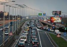 Ruchu drogowego dżem na moscie zdjęcia stock