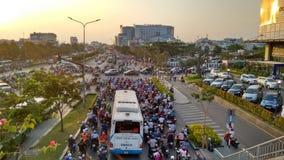 Ruchu drogowego dżem przy evening godzinę szczytu w mieście obrazy royalty free