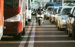 Ruchu drogowego dżem na ruchliwie drodze Obrazy Stock