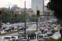 Ruchu drogowego d?em w godzina szczytu Bu?garia Sofia zdjęcie royalty free