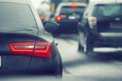 Ruchu drogowego dżemu samochody czeka na ruchliwie drodze Obraz Royalty Free