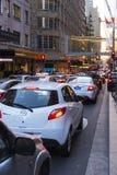 Ruchu drogowego dżemu Targowa ulica Sydney zdjęcie royalty free