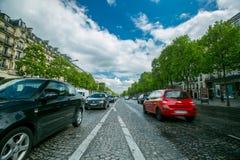 Ruchu drogowego Paris transportu centrum po środku Paryskiego miasta Zdjęcia Royalty Free