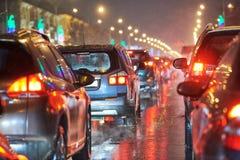 Ruchu drogowego zawalenie się w miasto ulicznej drodze na wakacje lub dżem zdjęcie stock