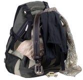 Rucksack mit Kleidung Stockfoto