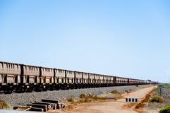 Ruda Żelaza pociąg Pilbara, Australia - obraz stock