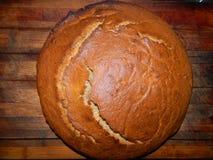 Ruddy Palyanitsa Ukrainian-Brot, frisch, Roggen, mit brauner Kruste Lizenzfreie Stockbilder